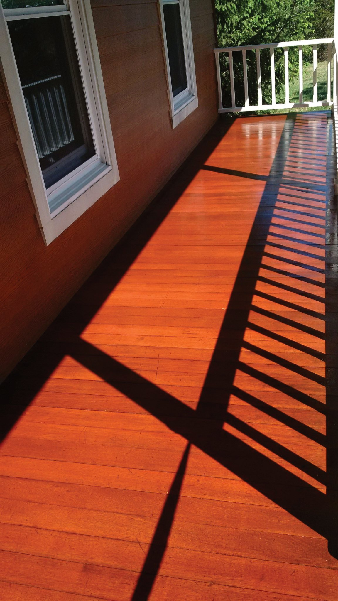 Germantown NY mahogany deck staining