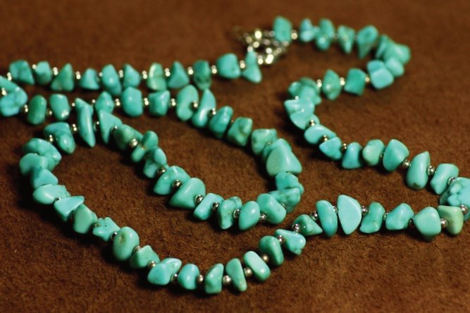 Turquoise and Sterling Silver Nugget Necklace.