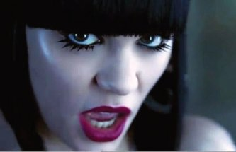 Jessie J with an extremely smooth blunt cut fringe.
