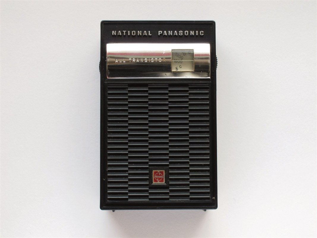 Pocket transistor radio