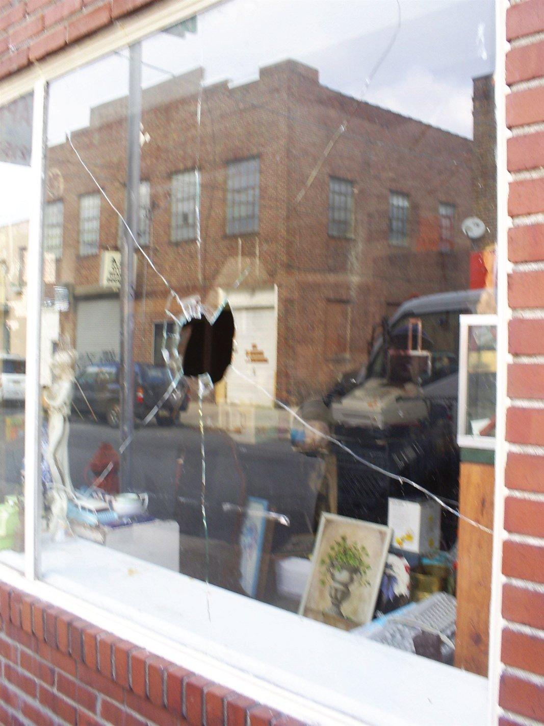 : Emergency Glass Repair