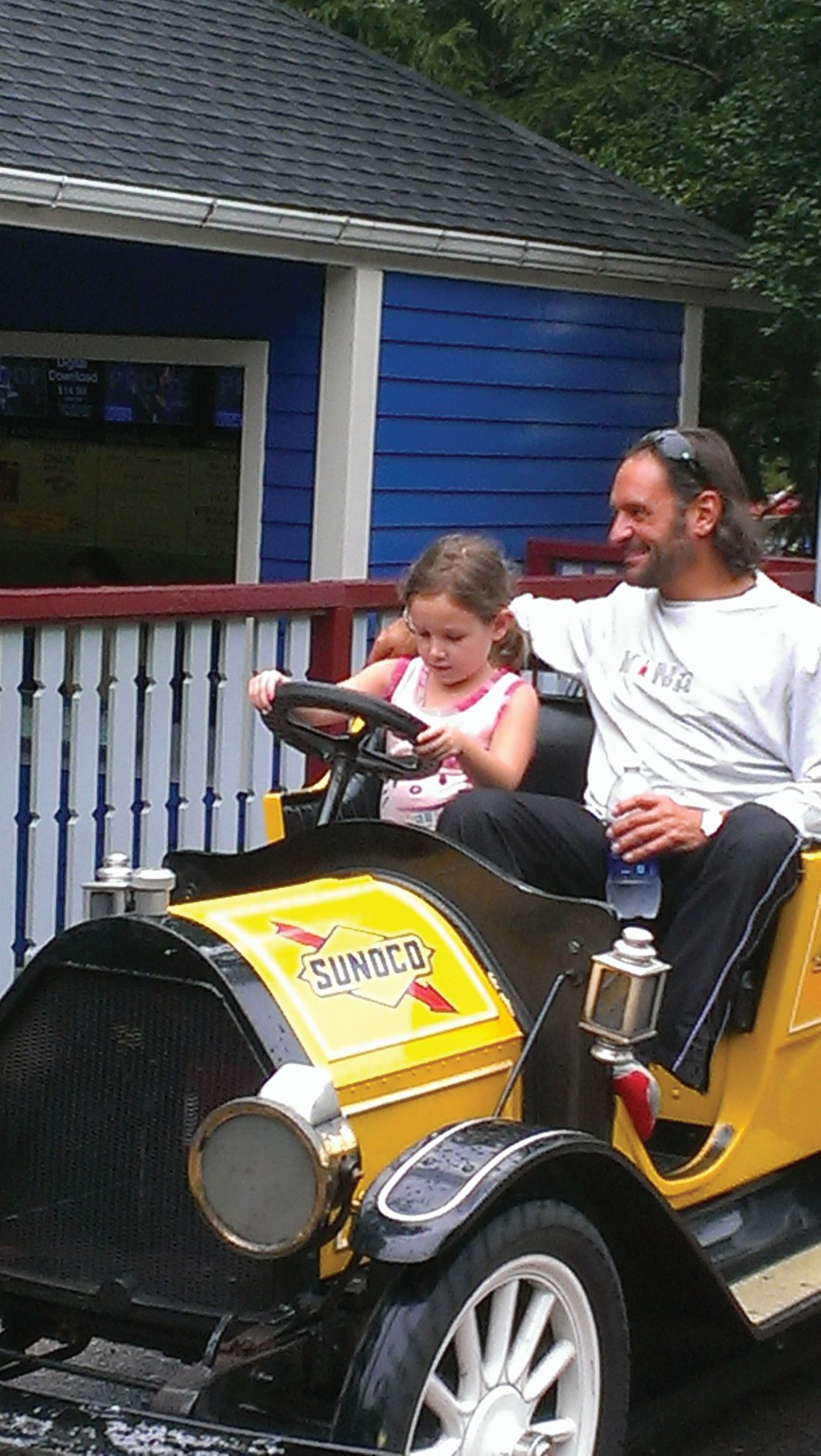 Father spending quality time with his daughter, it made her day! #handsondad