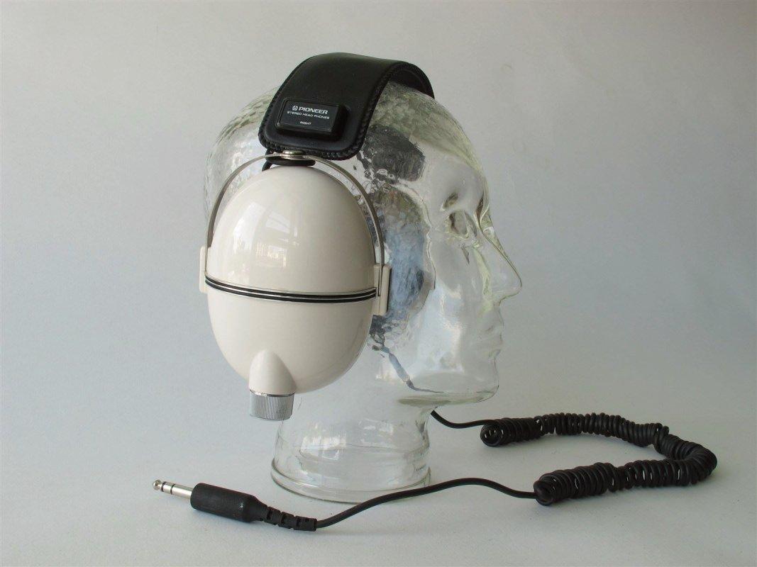 Pioneer SE 255 vintage headphones