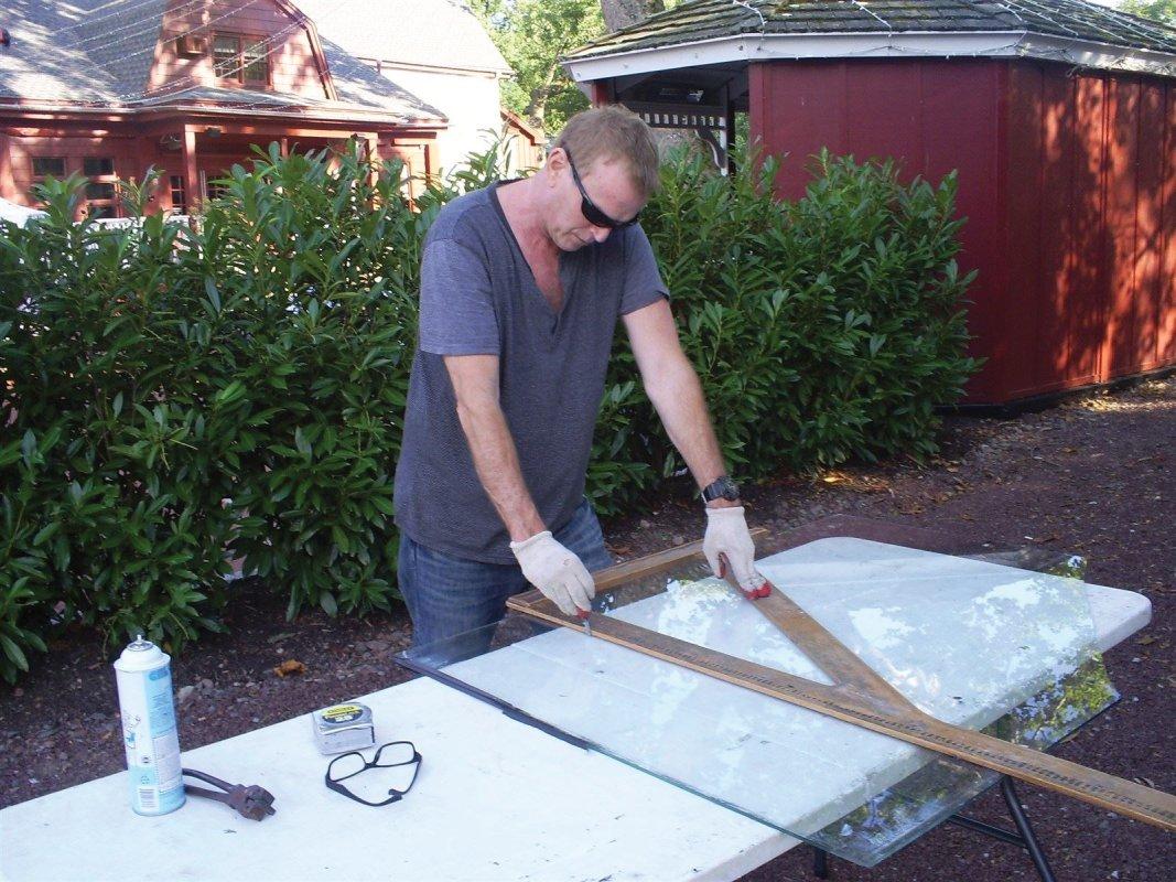 Home window repair and commercial glass repair