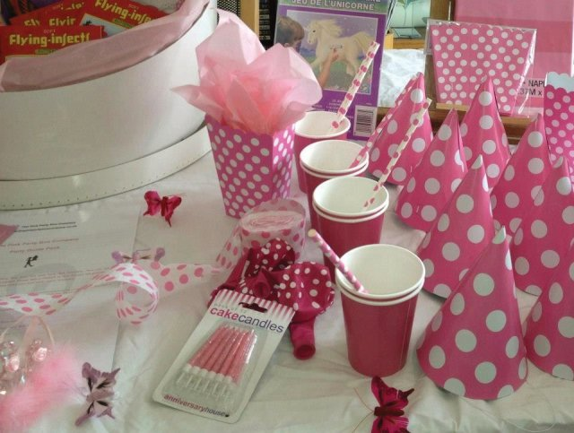 Pink dot co-ordinated tableware