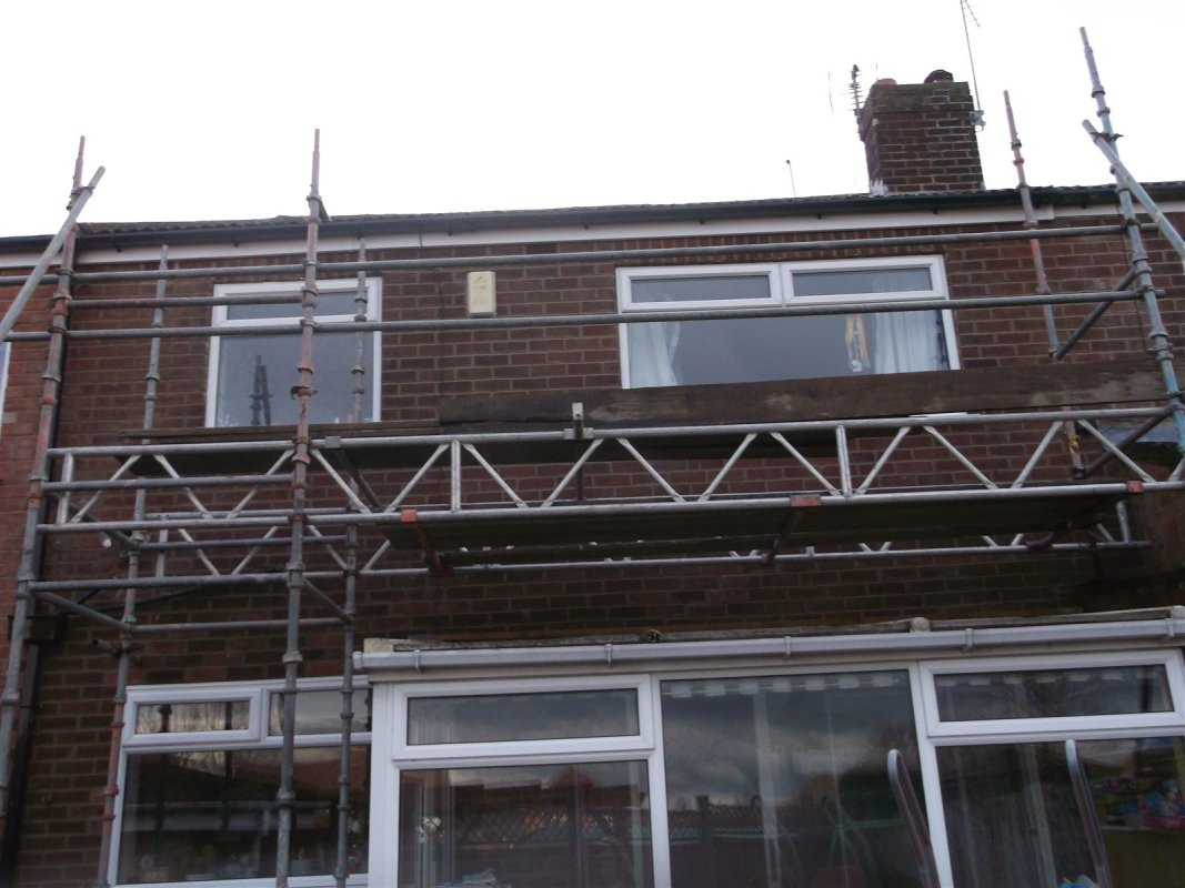 repointing  brick work cookridge 01138080784