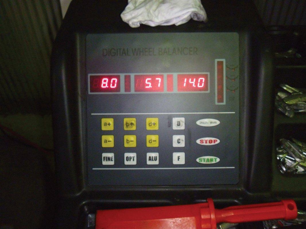 P10106GARAGE MIND, 持ち込み交換, GARAGEMIND, タイヤ, タイヤ交換バイク, タイヤの交換, 軽タイヤ交換, オイル交換, 和歌山 安い タイヤ, 「和歌山」,「和歌山市」,「和歌山県28