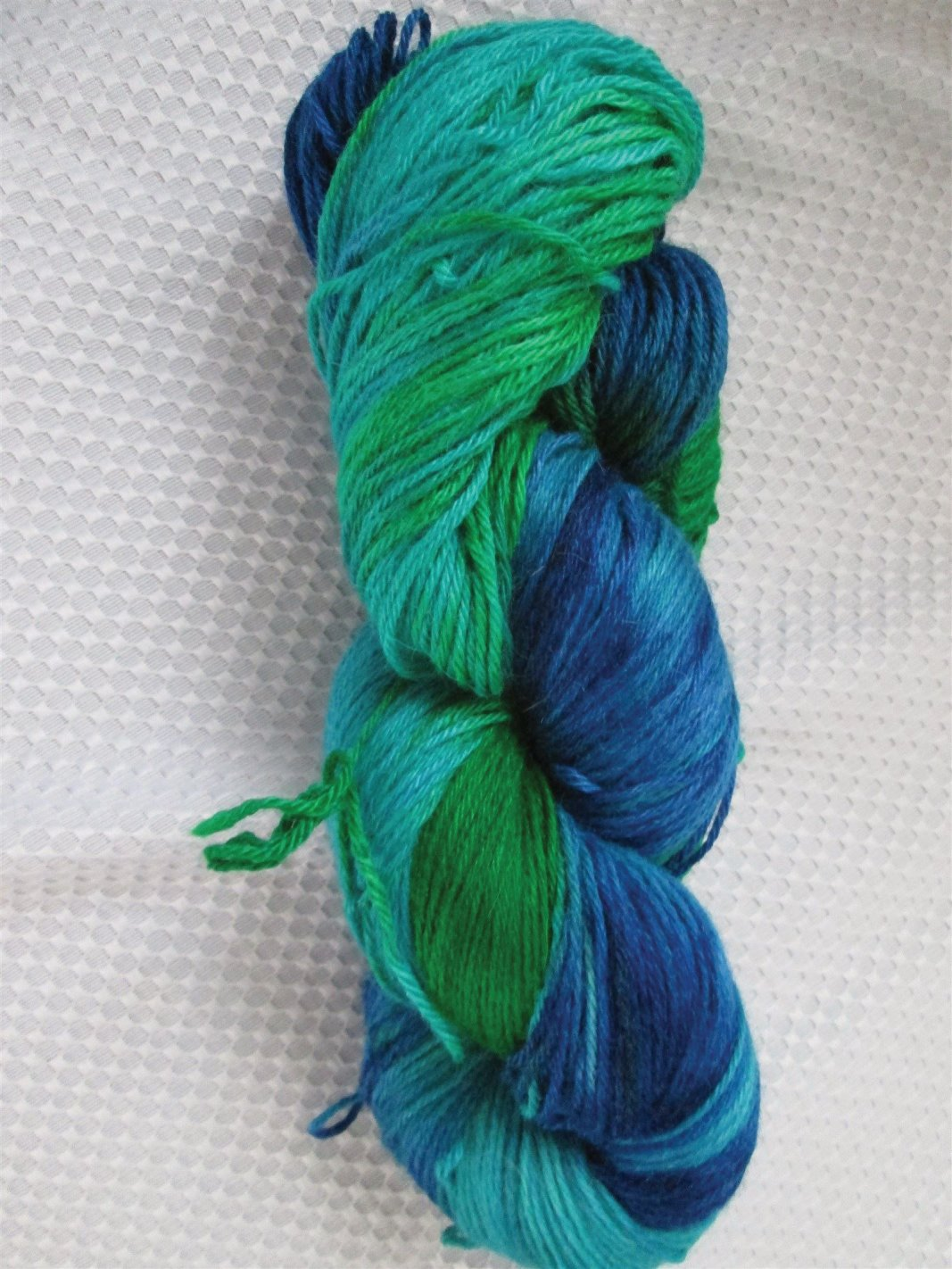 The colours of this alpaca/silk blend remind me of the tropical seas.
