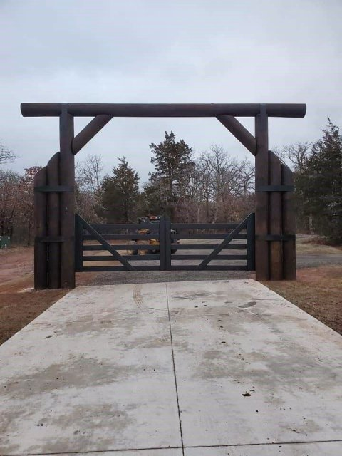 High End Custom Gate