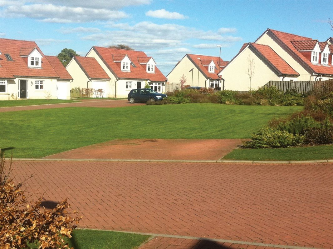 Housing estate and blocks of Flats grounds maintenance throughout Edinburgh, Midlothian, East Lothian, Fife and the Scottish Border regions