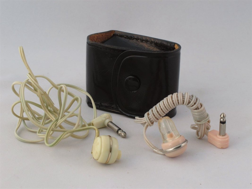 Pocket transistor radio accessories