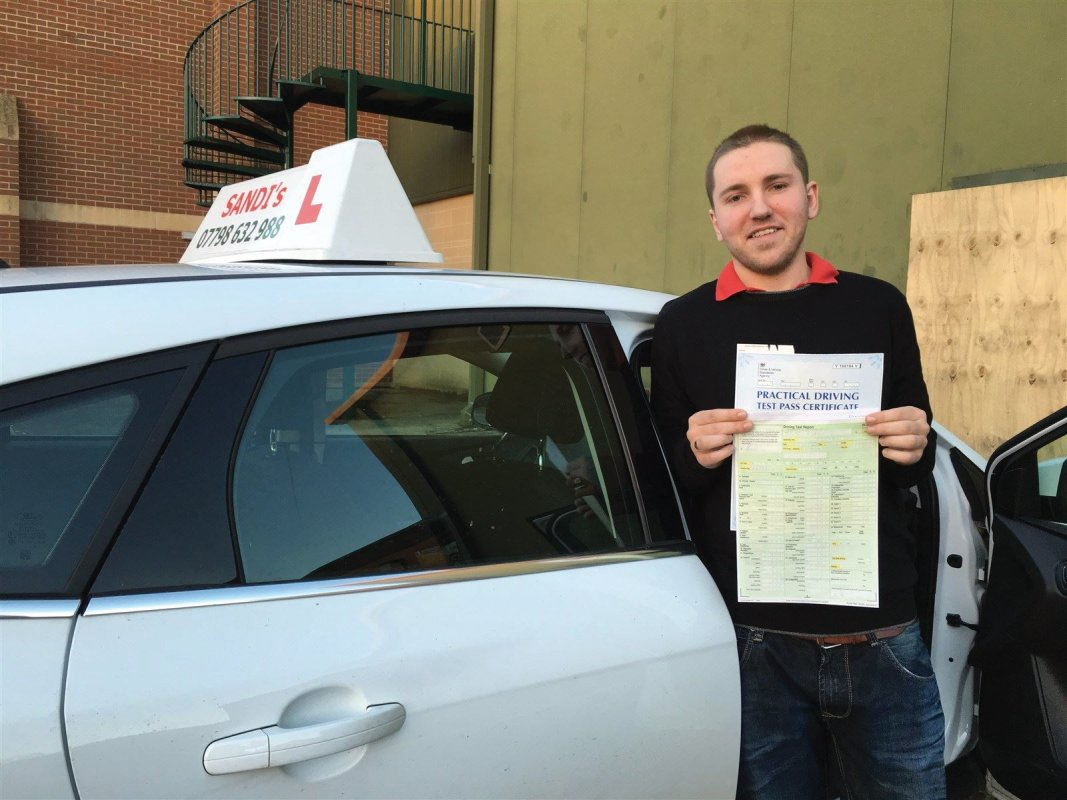 Sandi's Driving School Pupil passes his driving test first time