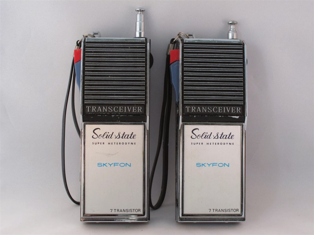 Pocket transistor walkie talkies