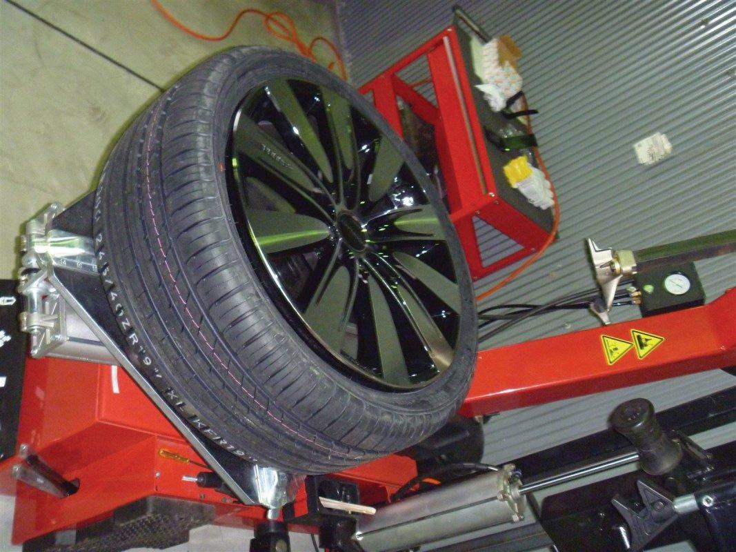 P10GARAGE MIND, 持ち込み交換, GARAGEMIND, タイヤ, タイヤ交換バイク, タイヤの交換, 軽タイヤ交換, オイル交換, 和歌山 安い タイヤ, 「和歌山」,「和歌山市」,「和歌山県10619