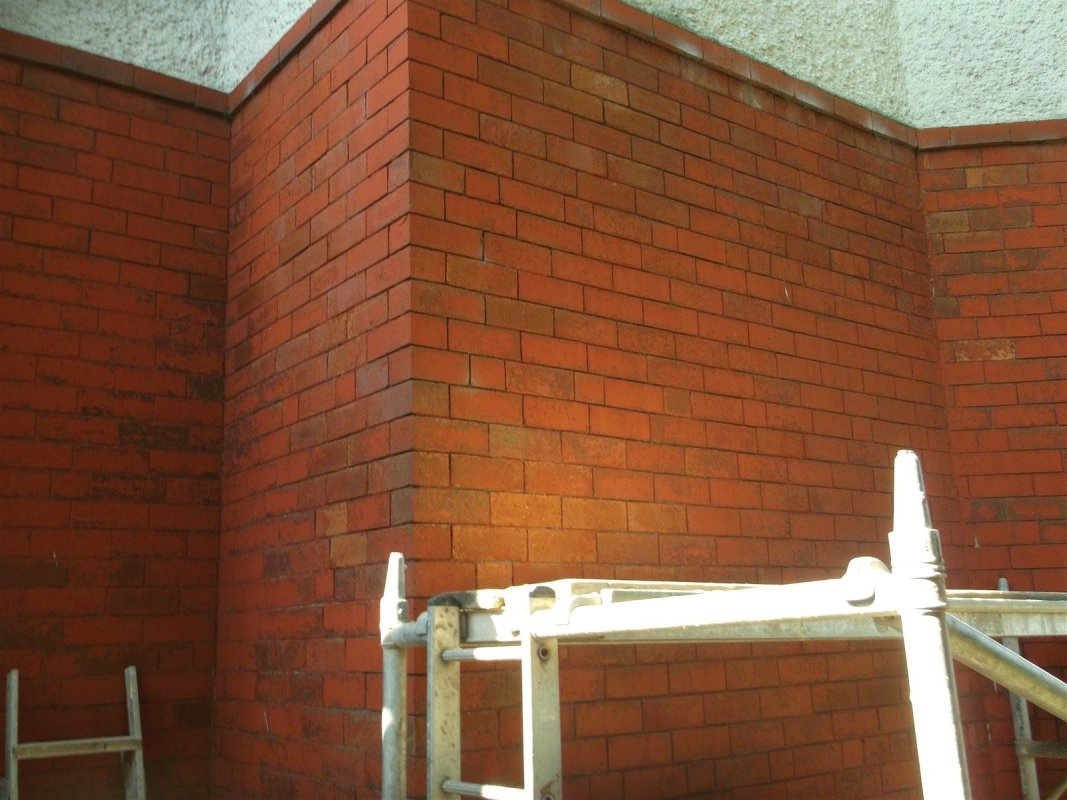 paint removal from brick work and repointing leeds 01138080784