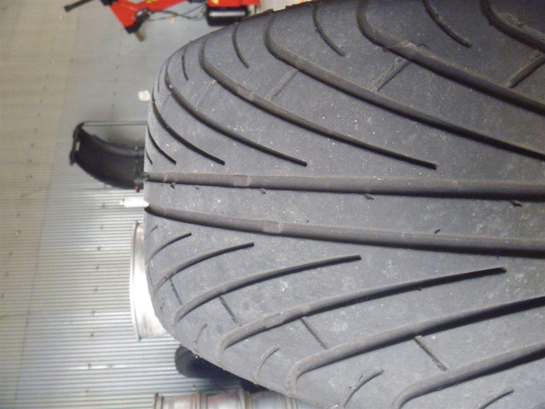 10000キロはっしった輸入タイヤです。 輸入GARAGE MIND, 持ち込み交換, GARAGEMIND, タイヤ, タイヤ交換バイク, タイヤの交換, 軽タイヤ交換, オイル交換, 和歌山 安い タイヤ, 「和歌山」,「和歌山市」,「和歌山県タイヤも捨てたもんじゃないですよ>