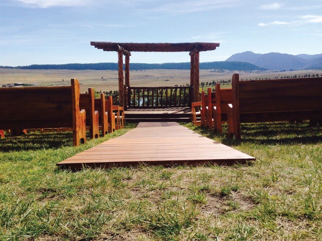 Wood Aisle Runner for Wedding Ceremony and Wedding Pews