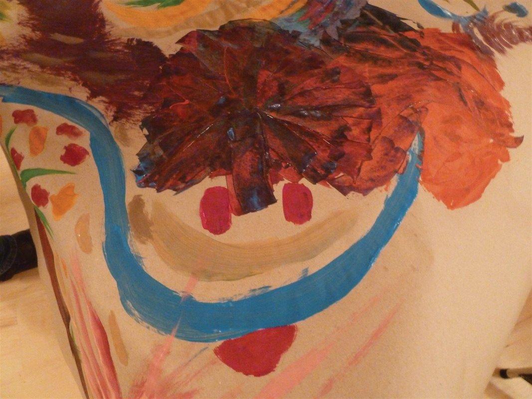 Mädchen-Junge! Naturfarbener Malgrund in der Kunsttherapie