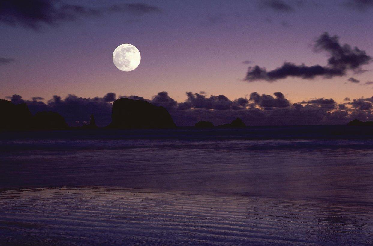 Night Sky: Visual interpretation: Peaceful, positive image.