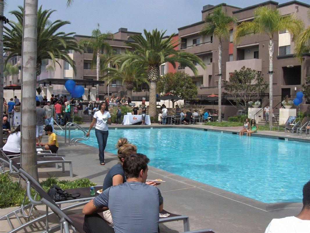 Pool at Avalon Apartments