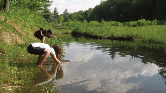 Counseling with  nature kids water play therapy Ann Arbor, MI