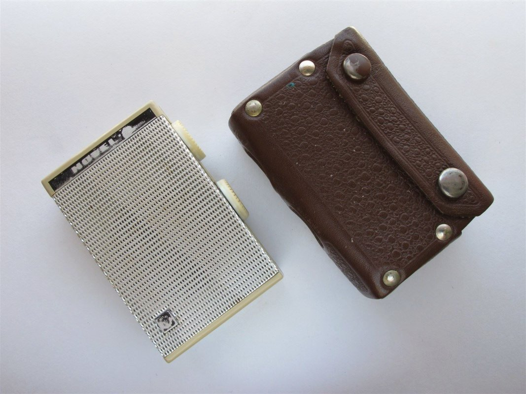 Russian Pocket transistor radio