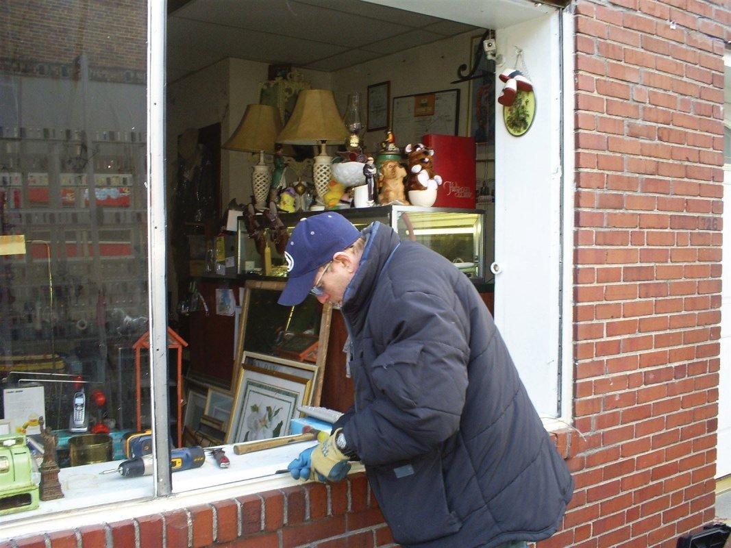 Philadelphia window repair - 7 days a week, Baby!!!!