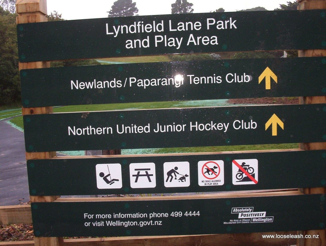 Lyndfield Lane Park sign board at entrance - Walk dogs on leads and remove your dogs poop ! Loose Leash Dog WalkingService Newlands Johsonville Wellington