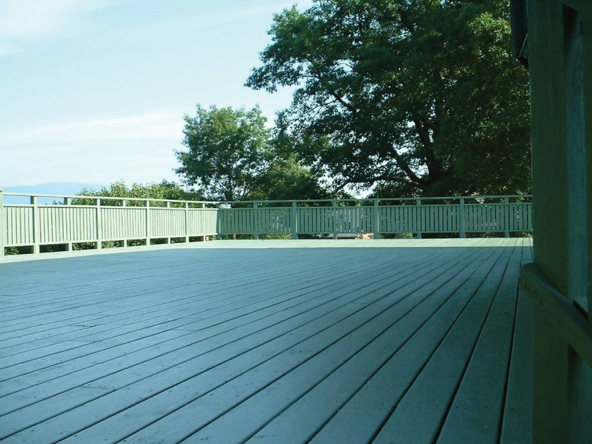Deck staining - sealing Saugerties NY