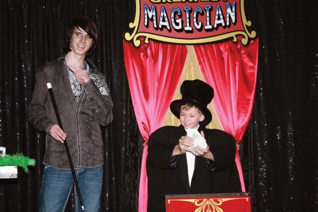 Family Entertainers Goldsboro NC Magician