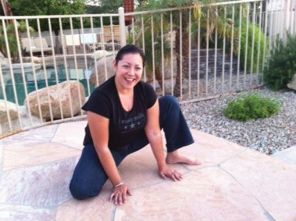 Asymmetrical squat - Bradley Method® natural childbirth classes offered in Arizona: Chandler, Tempe, Ahwatukee, Gilbert, Mesa, Scottsdale
