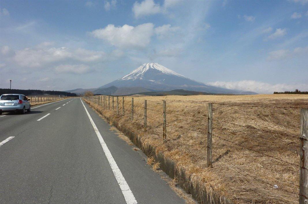 便利屋カメラマンです。今回は日本一の山を狙っています。