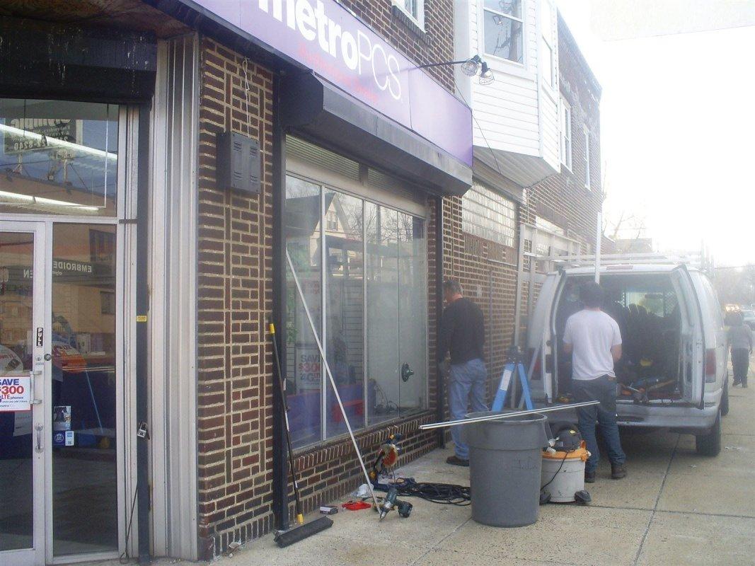 Commercial glass repair Philadelphia pa