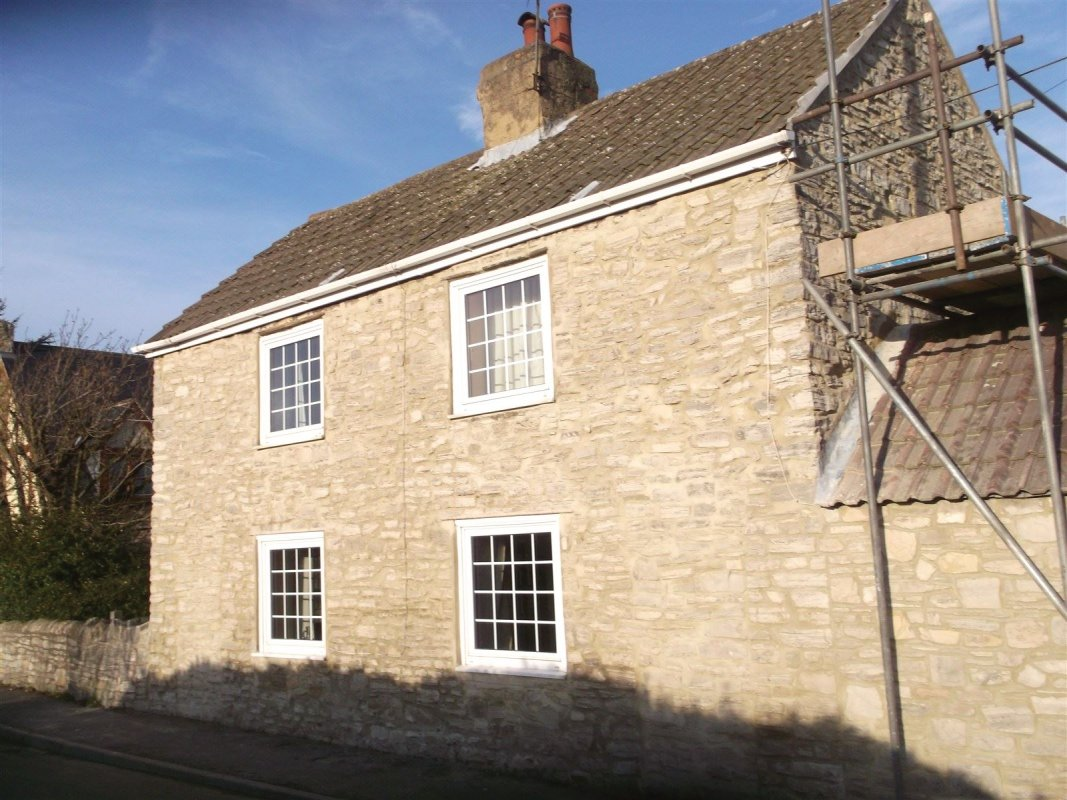 repointed  stone cottage all work carried out by leeds pointing