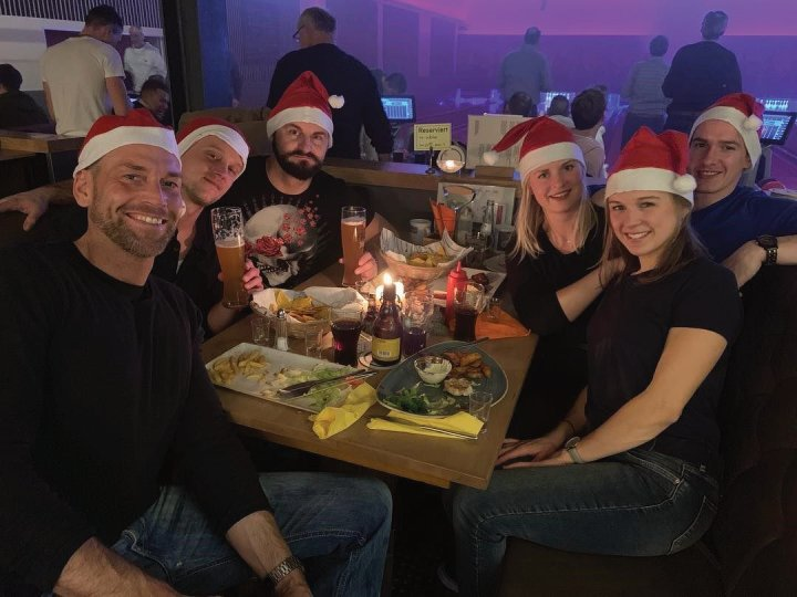 Auch für uns stand heute eine kleine Weihnachtsfeier an. Wir danken Euch für das tolle Jahr. Euer Personal Trainer Team für Bochum wünscht Frohe Weihnachten und schöne Feiertage ;-).