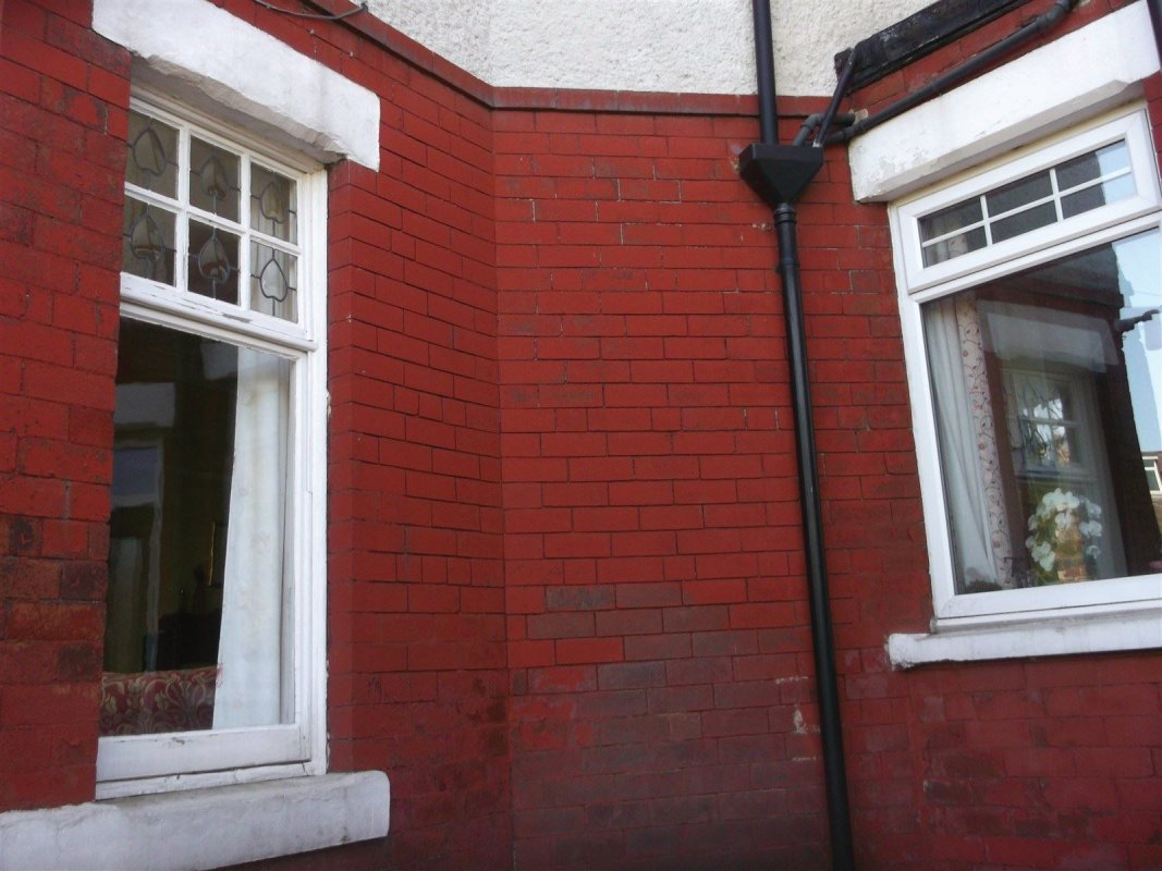 paint removal from brick work all work carried out by leeds pointing