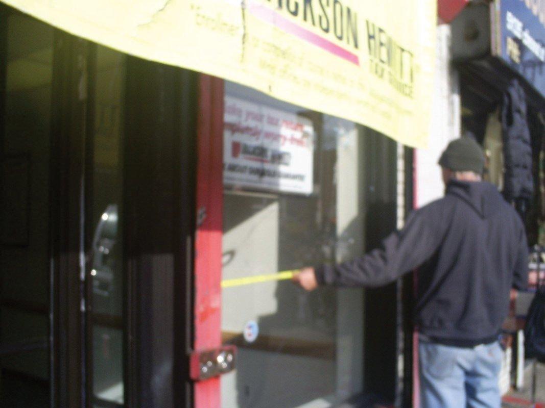 Window glass repair - measure 8 times - cut once!