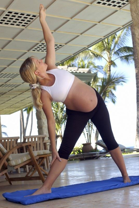 Yoga : Pre-natal yoga practice is a great option for both stamina and strength.