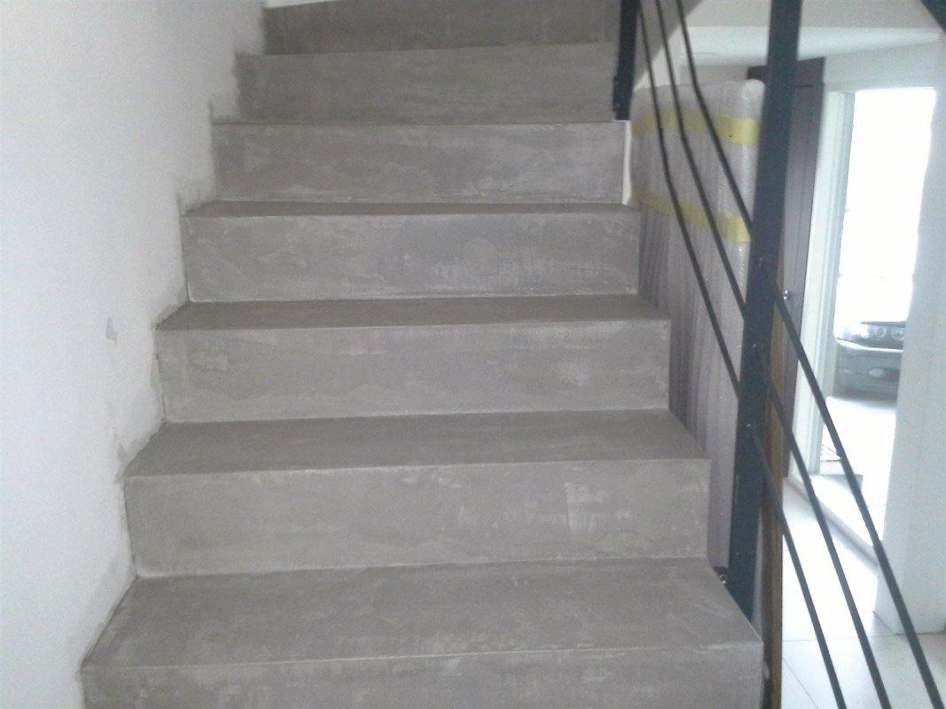 Betondesign Mikrozement Treppensanierung