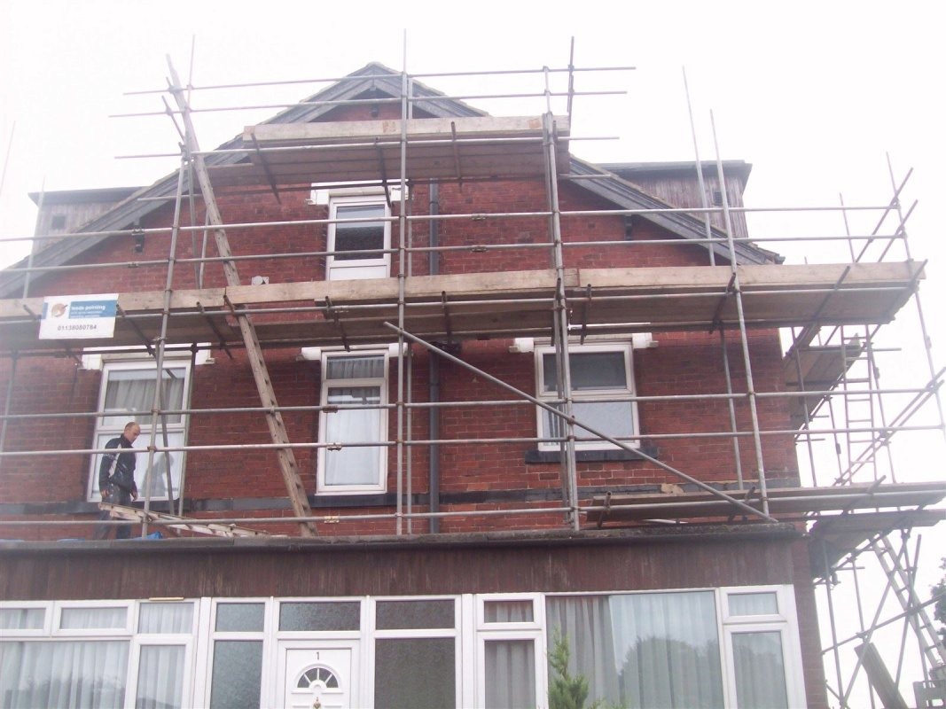 leeds repointing specialist 0113 8080784 repointing brick work