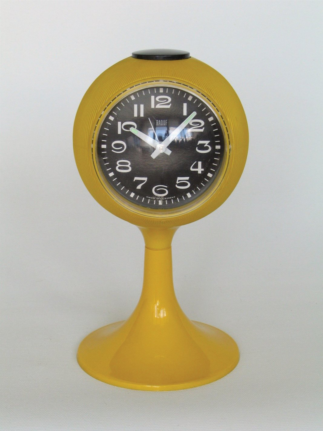 Space age clock