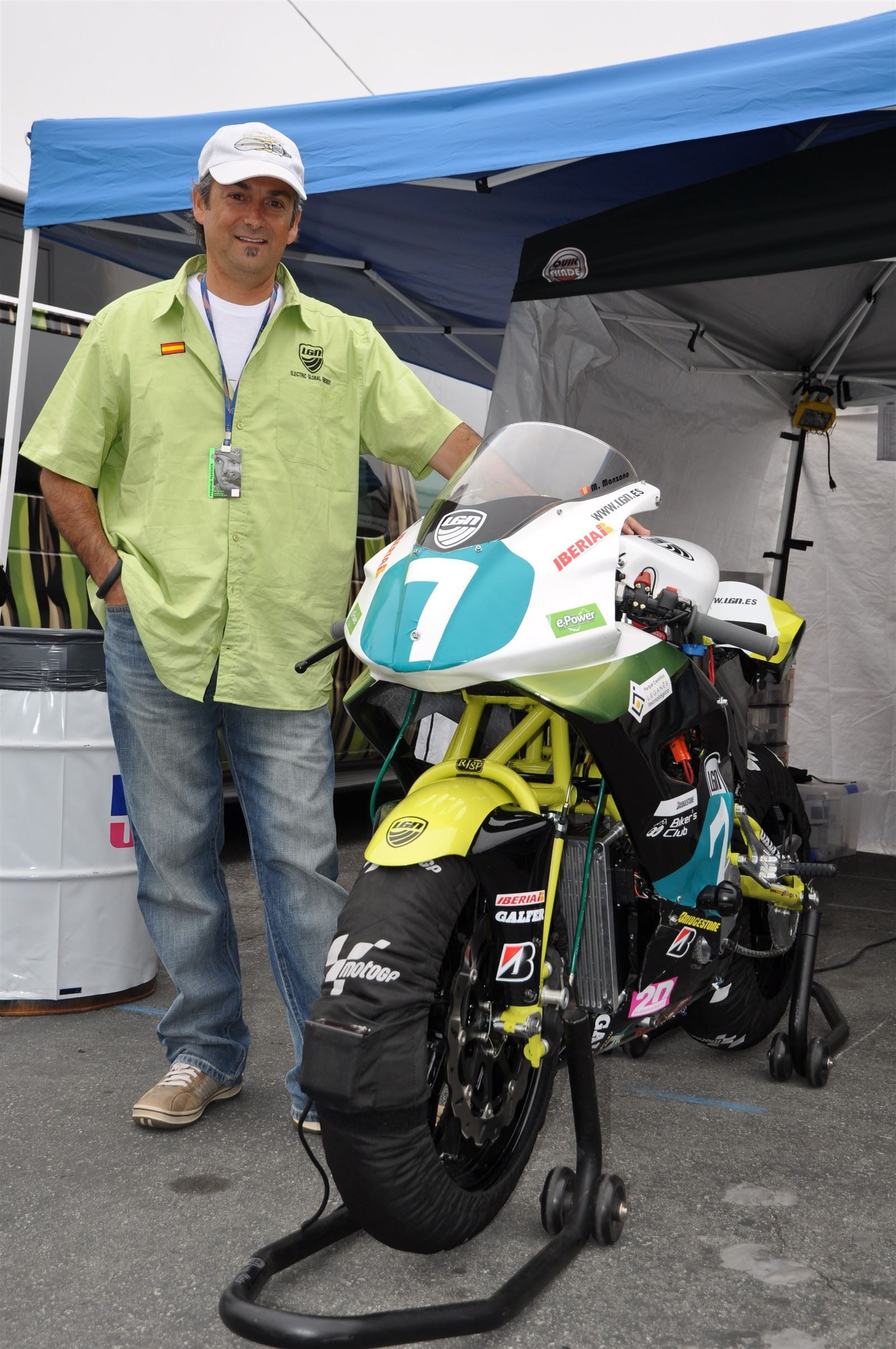 EP Designer Rolando Ortiz & LGN Bike