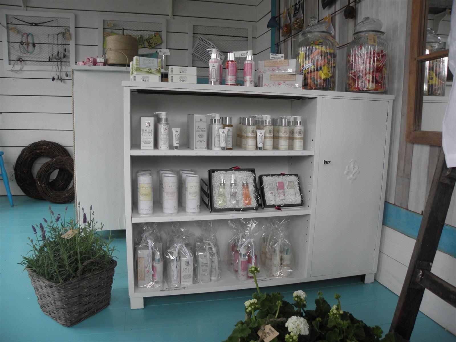 Hel Donna Chang-serie- rena produkter med härliga dofter i reseförpackningar