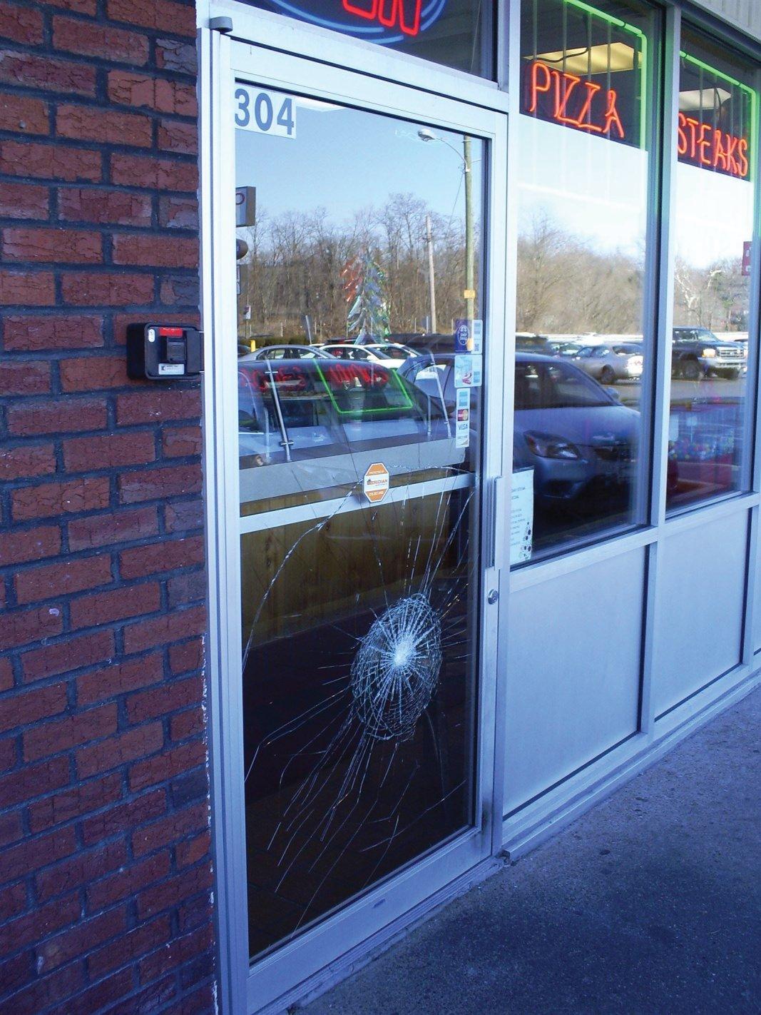 Broken commercial door glass repair