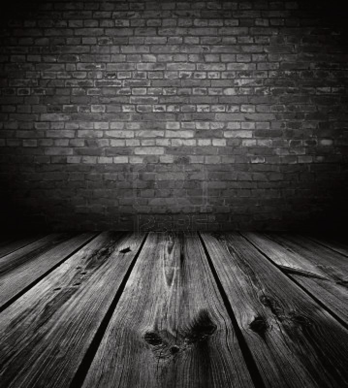 7324354-dark-empty-room
